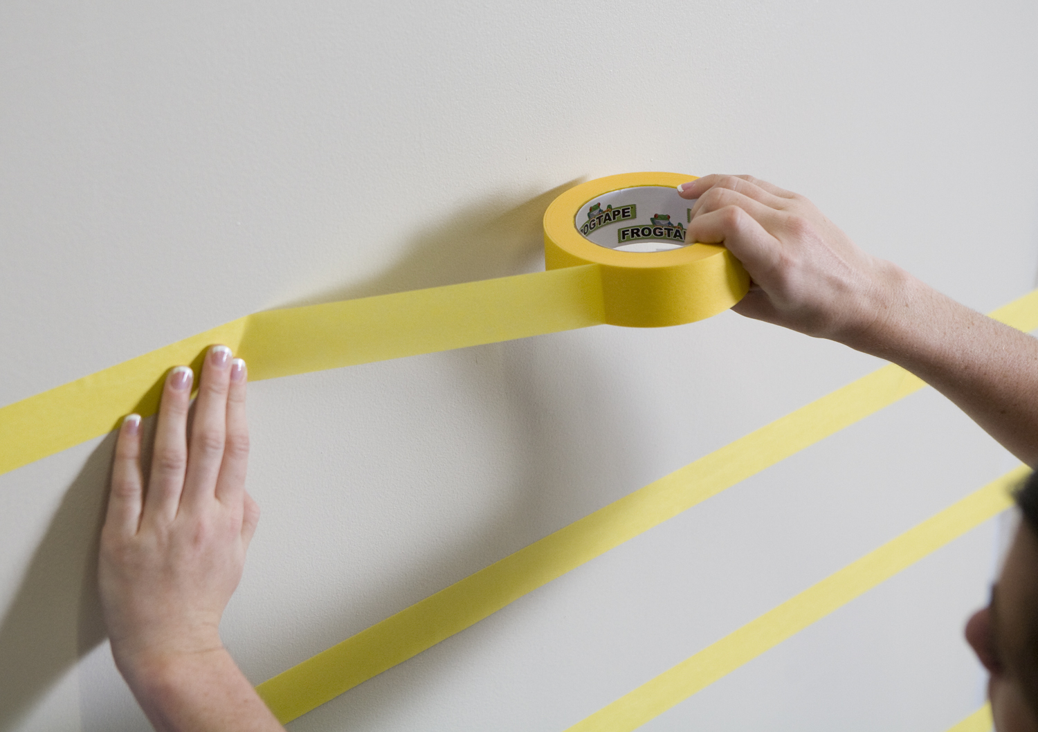 Delicate Surface Yellow Painters Tape, 1.41 in x 60 yd, 4…   Frogtape